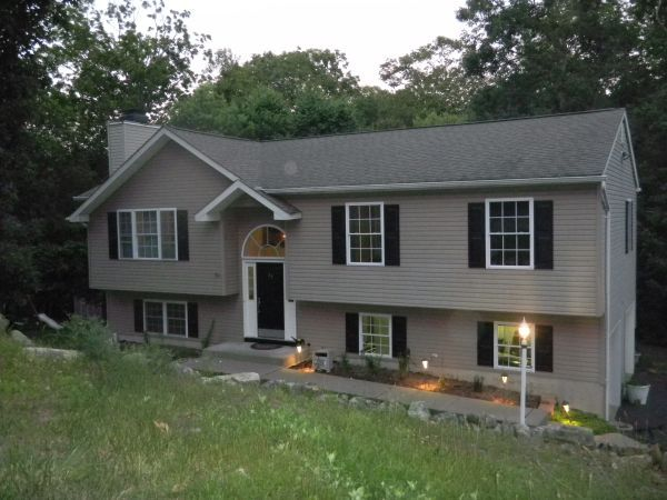 Beautiful bi level for sale 23 adelphi trl hopatcong nj for New split level homes